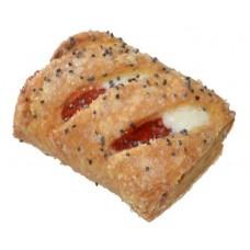 Галстучки с начинкой со вкусом клубники и сливок  1,6кг